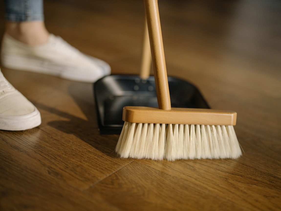 A Closer Look At Cleaning Services – Why You Should Leave The Cleaning To The Pros